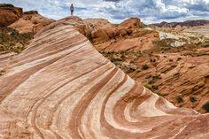 Fire Wave im Valley of Fire State Park Nevada USA, Las Vegas Firewave Zebralinien Sandsteinformation Wellenmuster dwoc.