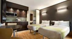Studio 6 Downtown Toronto Toronto Situated on a tranquil street in the heart of downtown Toronto, this hotel offers rooms furnished with kitchenettes. It is close to the Eaton Centre and the CN Tower. Free WiFi is available throughout the property.