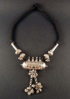 Rajasthan old silver necklace, Indian jewelry, old pendant from India, jewellery from Rajasthan, Rajasthan hindu amulet