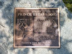 Plaque on Prince Estabrook Monument Fuente: Flickr Autor: JeromeG111 Licencia: CC BY-NC-ND 2.0