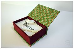 Show your cards and give them a good home - put them into your beautiful business card box. Love Vows, Shops, Your Cards, Business Cards, Home Goods, Gift Wrapping, Create, Box, Shopping