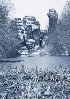 Simple Ein Denkmal aus Sandstein Die Externsteine im Teutoburger Wald ben eine magische Kraft aus