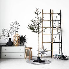 Simple and stylish #Christmas #decorations - Scandinavian style.