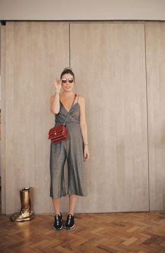 Meu look com macacão metalizado da Pop Up Store - uma tendência queridinha das famosas! Beijinhos Fabi Justus
