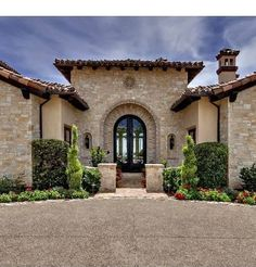 Tuscan style entry, a lot of stone! (Not a Lennar home) Tuscan Style Homes, Spanish Style Homes, Tuscan House, Spanish House, Style Toscan, Style At Home, Mediterranean House Plans, Mediterranean Architecture, Mediterranean Recipes