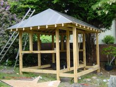 Build a Japanese Tea House - covering the roof Japanese Garden Style, Japanese Tea House, Japanese Home Decor, Asian Home Decor, Japanese Sauna, Japanese Bath, Japanese Gardens, Japanese Buildings, Japanese Architecture