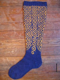 Grumperina - Blue and Cream Stocking, Meg Swansen. Woolen Socks, Knits, Needlework, Knit Crochet, Stockings, Toe, Cream, Knitting, Pattern