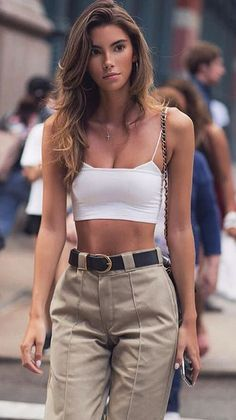 75 fashion street style ideas & summer holiday outfits for women 15 Looks Style, Looks Cool, Mom Style, Style Hair, Look Fashion, Girl Fashion, Fashion Outfits, Womens Fashion, Fashion Trends