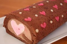 <3 cutest roll cake ever <3