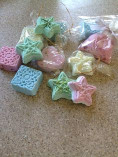 Bath bombs using granulated citric acid, bicarbonate of soda, and oil or butter