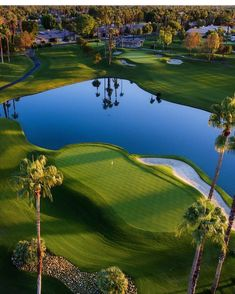 Golf Courses The Lakes Country Club in Palm Desert, CA. Famous Golf Courses, Public Golf Courses, Best Golf Irons, Augusta Golf, Golf Course Reviews, Golf Photography, Golf Club Sets, Golf Clubs, Woods Golf