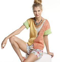 Osez les couleurs, avec ce modèle de gilet à manches courtes femme. Il est tricoté en 'Fil phil coton 3' coloris corail, citron, jade, pistache et poudre, fils de couleurs et un assemblage contrasté tout en pastels. Ce modèle est fermé par 5 boutons, en laissant un grand col V. Modèle tricot n°01 du catalogue 104 : Homme, Femme, Printemps/été