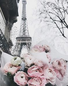 Uploaded by Ivy. Find images and videos about flowers, paris and eiffel tower on We Heart It - the app to get lost in what you love.