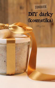 4 Tipy na jednoduché diy kosmetické dárky (nejen k Vánocům) Diy Presents, Diy Videos, Homemade Gifts, Ballet Shoes, Soap, Blog, Decor, School, Christmas