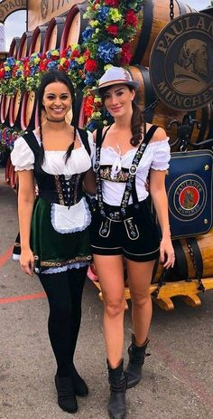 Dresses for Women Octoberfest Girls, Oktoberfest Beer, Beer Festival Outfit, Beer Maid, Beer Girl, German Women, Halloween Fashion, Cozy Fashion, Cosplay Girls