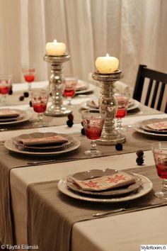 joulu,kattaus,joulukattaus,jouluateria,pellavaliina,perfect home,keittiö,juhlakattaus