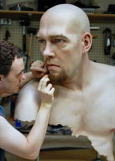 Ron Mueck Sculpture - If he ever has a showing in the US I will be there!!