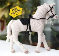 Poney Crochet, Crochet Pony, Crochet Horse, Crochet Birds, Crochet Animals, Crochet Dolls, Crochet Sheep Free Pattern, Doll Patterns Free, Crochet Amigurumi Free Patterns