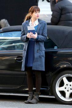 Anastasia Steele (Dakota Johnson) prepares to meet Christian Grey.