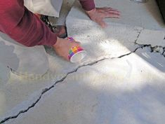 Concrete Slab Crack Repair: How to repair a badly cracked concrete patio slab with Emecole 555 for a permanent structural bond. Concrete Overlay, Concrete Patio, Driveway Resurfacing, Patio Slabs, Cement Art, House Foundation, Sidewalk Art, Home Repairs, Diy Patio