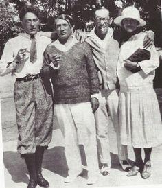 Jean Cocteau, Picasso, Igor Stravinsky et Olga Koklova, Antibes, 1926