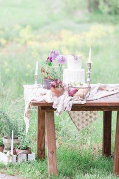 Farm wedding cake display   Chris Loring Photography   see more on: http://burnettsboards.com/2015/12/roots-shoot-an-elegant-organic-farm-wedding/