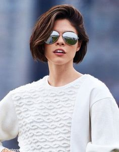 Coupe au carré pour quel visage : découvrez quelle coupe au carré est faite pour vous ! - Elle Dress Hairstyles, Bob Hairstyles, Short Hair Cuts For Women, Short Hair Styles, Hair Inc, Brunette Hair Cuts, Blunt Hair, Sassy Haircuts, Hair Essentials