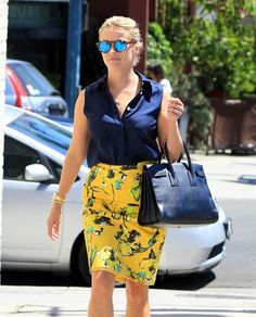 Reese Witherspoon Takes Her Daughter to the Hospital