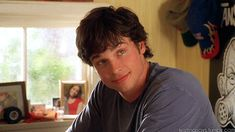 """When you imagined that Charlie was smiling at. 12 Times """"Cheaper By The Dozen"""" Was The Best Movie Of The Early Smallville Clark Kent, Tom Welling Smallville, Celebrity Crush, Celebrity Photos, Lois E Clark, Cheaper By The Dozen, Step Up Revolution, Chad Michael Murray, Beautiful Men Faces"""