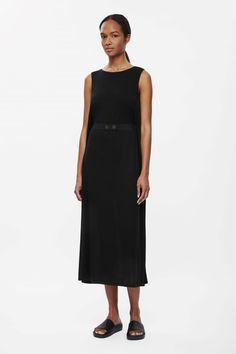 http://www.cosstores.com/de/Women/Dresses/Belted_jersey_dress/46881-30592981.1