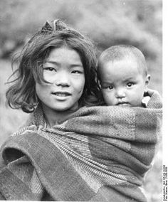 Tibetan baby carrying by Ernst Krause