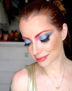 Arco-íris nos olhos para quem tem a alma colorida ;) #makeup #maquiagem #carnaval