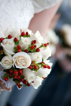 Discover the real key to diy winter wedding flowers as explained by a professional wedding florist. Pictures of winter wedding flowers and arrangements. Wedding Flower Photos, Winter Wedding Flowers, Red Wedding, Wedding Blog, Wedding Ideas, Wedding Venues, Wedding Music, Wedding Themes, Perfect Wedding