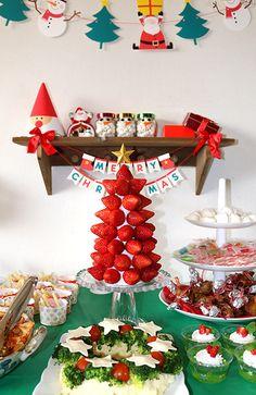 クリスマスパーティー料理 キッズパーティー演出 Fruit Christmas Tree, Adult Christmas Party, Christmas Games, Xmas Party, Christmas In July, Christmas Activities, Kids Christmas, Holiday Parties, Holiday Fun