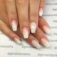 The advantage of the gel is that it allows you to enjoy your French manicure for a long time. There are four different ways to make a French manicure on gel nails. French Fade Nails, Faded Nails, Glitter French Manicure, Glitter Nails, My Nails, Glitter Art, White Glitter, Ambre Nails, Ballerina Nails