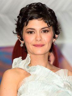 Detalle del #Maquillaje y #peinado de AudreyTautou en el Festival de Cannes 2013