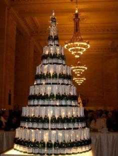 No New Year's Eve wedding wouldn't be complete without champagne. I love this champagne tower. Makes quite a statement.