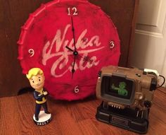 This Nuka-Cola Clock Would Make a Nice Addition to Any Dweller's Settlement - Video Game Memes Fallout Props, Fallout Game, Nerd Cave, Man Cave, Xbox One Mods, Joke Of The Year, Vault Tec, Fall Out 4, Gamer Room