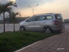 Hd 883 Iron, Spinning, Chevrolet, Bmw, Jdm Cars, Vehicles, Culture, Friends, Beetle Car
