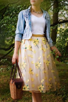 Applicaties taille rok bodems, tule rok, rok outfits zomer in 2020 Casual Skirt Outfits, Casual Skirts, Cute Skirts, Dress Outfits, Summer Skirt Outfits, Cute Modest Outfits, Spring Skirts, Girly Outfits, Modest Fashion