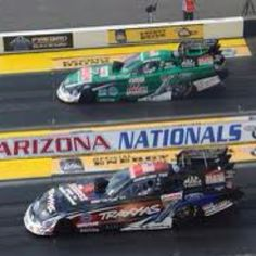 Courtney Force pullin' a gate job on her dad, World Champ John Force. Ford Shelby, Ford Mustang, Nitro Methane, Nhra Drag Racing, Auto Racing, Courtney Force, Car Pictures, Car Pics, Drag Cars