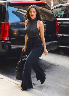 Olivia Munn ozzed style and flair while out for lunch in New York City.