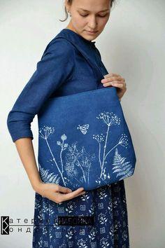 Купить или заказать Сумка-рюкзак. Индиго. в интернет-магазине на Ярмарке  Мастеров 418f25ce4e
