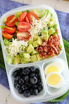8 easy and healthy lunch ideas perfect for packing to the office or classroom. Prep these ahead of time, for a delicious lunch option you can pack into a lunch bag quick. Healthy Cold Lunches, Quick Healthy Lunch, Prepped Lunches, Healthy Meal Prep, Healthy Snacks, Healthy Eating, Healthy Recipes, Keto Snacks, Keto Recipes