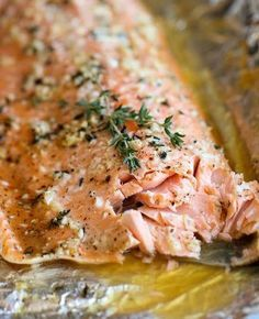 Honey Salmon in Foil - A no-fuss super easy salmon dish that's baked in foil for the most tender most flavorful salmon ever! -yummy
