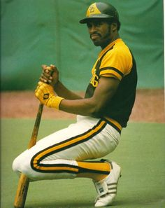 dave winfield – Old Cardboard Best Baseball Player, Pro Baseball, Better Baseball, Dodgers, Mlb Uniforms, Swing, No Crying In Baseball, Nationals Baseball, Football