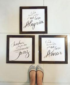 Já pensou com o que presentear sua mãe no #DiasDasMães? 😉 Uma opção bem bacana é o nosso trio de quadros com a oração de São Francisco. Com certeza sua mãe vai amar! ❤Compre em: www.lojacimbalo.com.br  *Você também pode comprar cada quadro separadamente ou só o pôster.    #lojacímbalo #quadro #sãofrancisco #sãofranciscodeassis #oraçãodesãofrancisco #molduras #decoracao #DeusEmTudo #cimbalovers