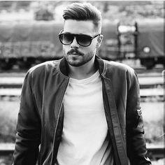 20 Clean Cut Haircuts For Businessmen Best Business Hairstyles for Young Men Men's Hairstyles is part of Oval face hairstyles - Young Mens Hairstyles, Oval Face Hairstyles, Hairstyles Haircuts, Oval Face Haircuts Men, Shaved Hairstyles, Oval Face Men, Oval Faces, Cool Haircuts, Haircuts For Men