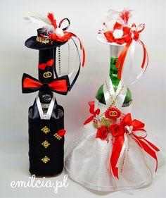 Ogłoszenia - Sprzedam, kupię na OLX.pl Table Decorations, Christmas Ornaments, Holiday Decor, Home Decor, Decoration Home, Room Decor, Christmas Jewelry, Christmas Decorations, Home Interior Design
