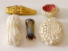 All pieces together 960 My Latest Paper Sculptures _ Elsa Mora, Los Angels 2013 _ chacune tient dans la paume d'une main